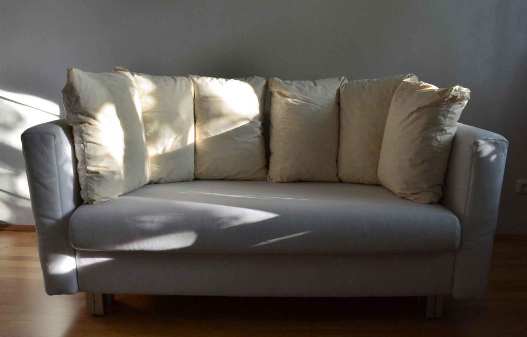 ein anfang ist gemacht sofa neu beziehen. Black Bedroom Furniture Sets. Home Design Ideas
