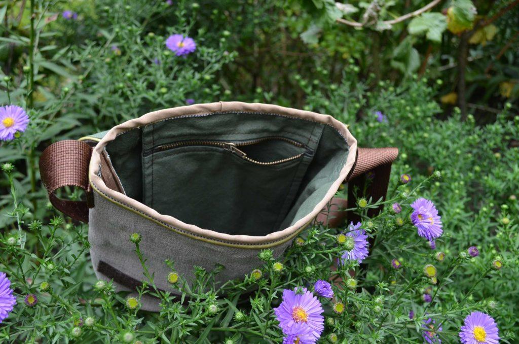 roetsch-Innentasche-Tasche-aus-Rest-Moebelbezugsstoff-und-altem-Bettlaken-mit-RV