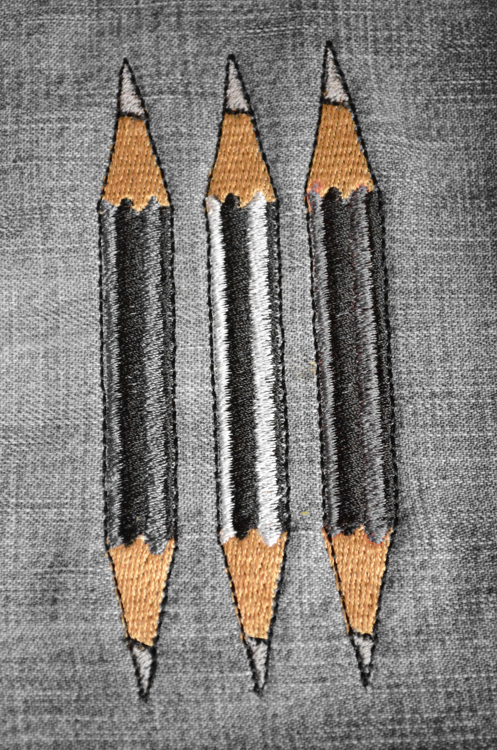 roetsch Stickdatei-Freebie-drei-Bleistifte-selektive-Farbe-braun-beige