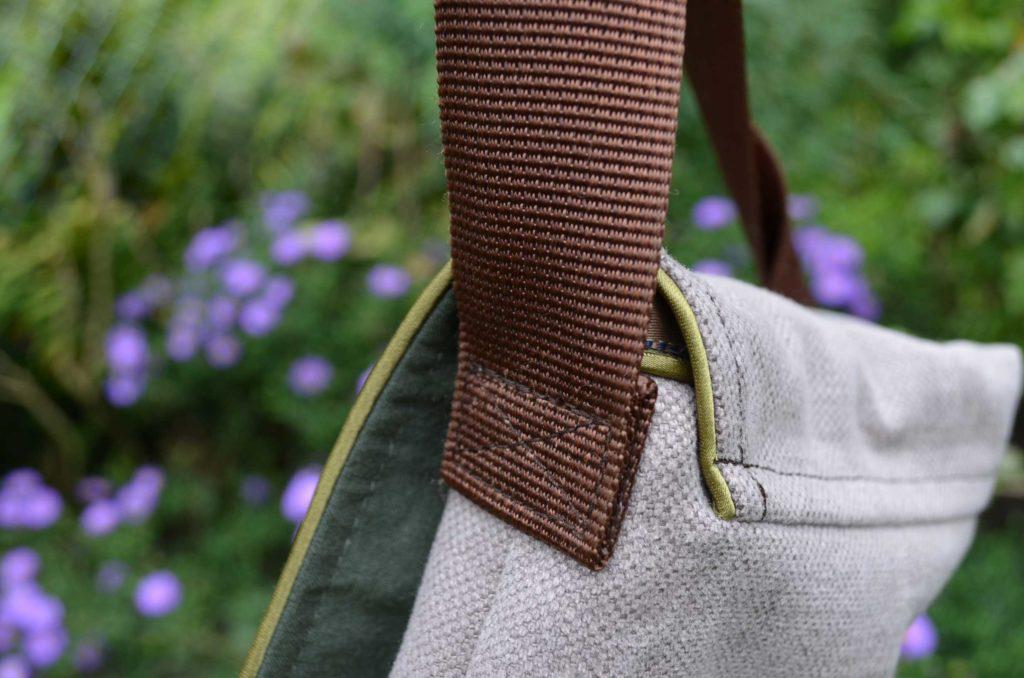roetsch-Taschenklappe-mit-Paspelband