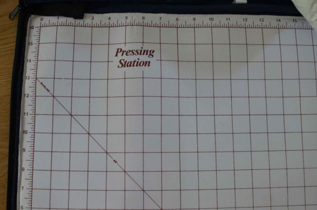 roetsch-Pressing-Station---Quilt-Tasche