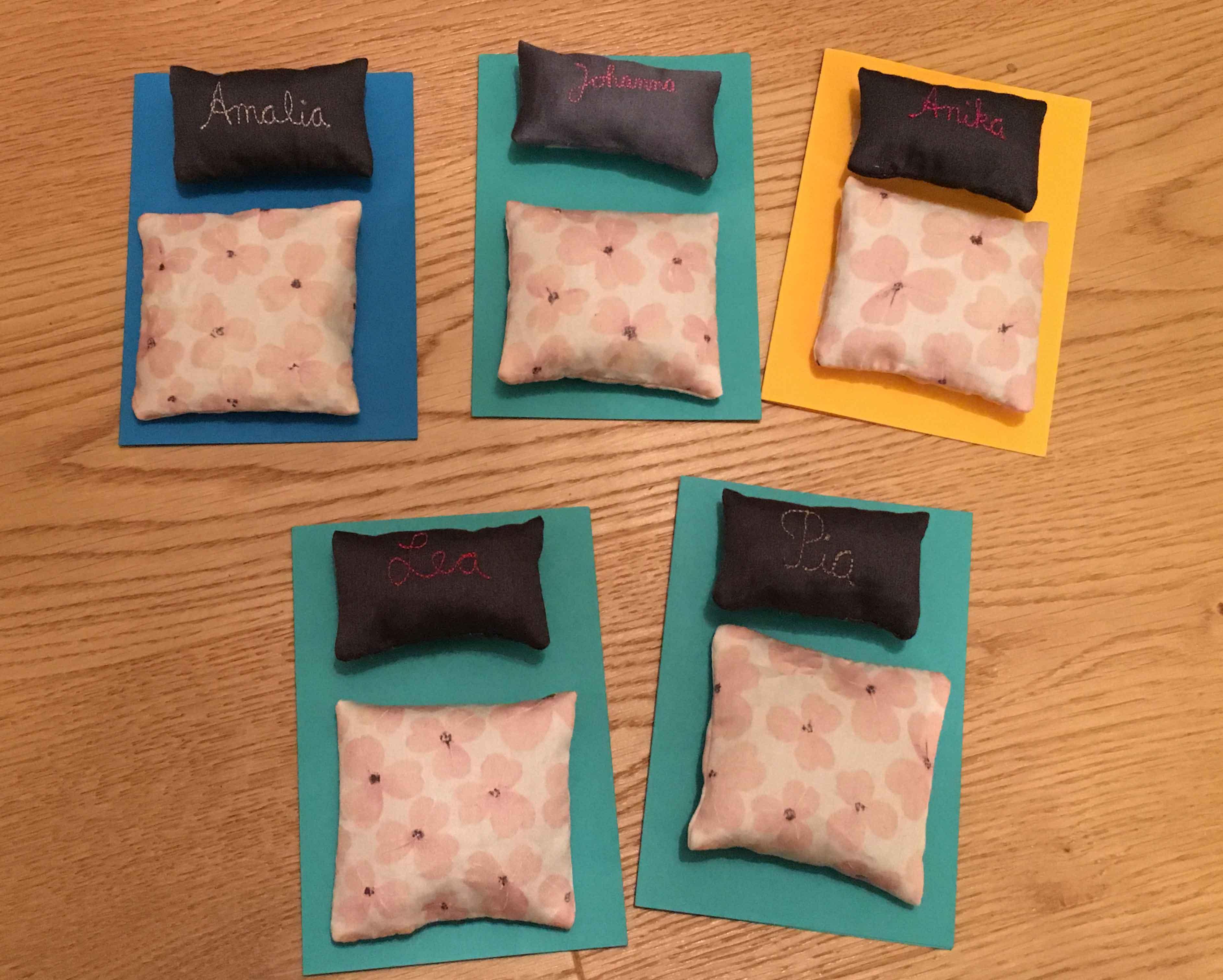 Roetsch Einladungen Uebernachtungsparty   Mit Lavendel Gefüllte Bettdecken