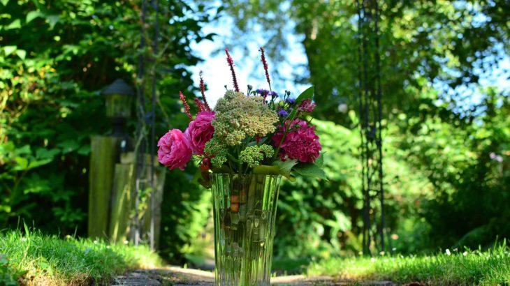 roetsch-Blumenstrauss-aus-dem-Garten-Ende-August-2016